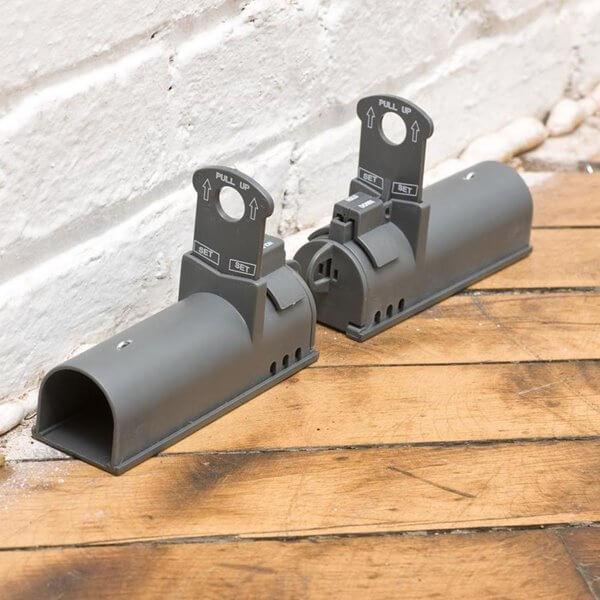 Musfälla Victor® Clean-Kill 2-pack mot vägg